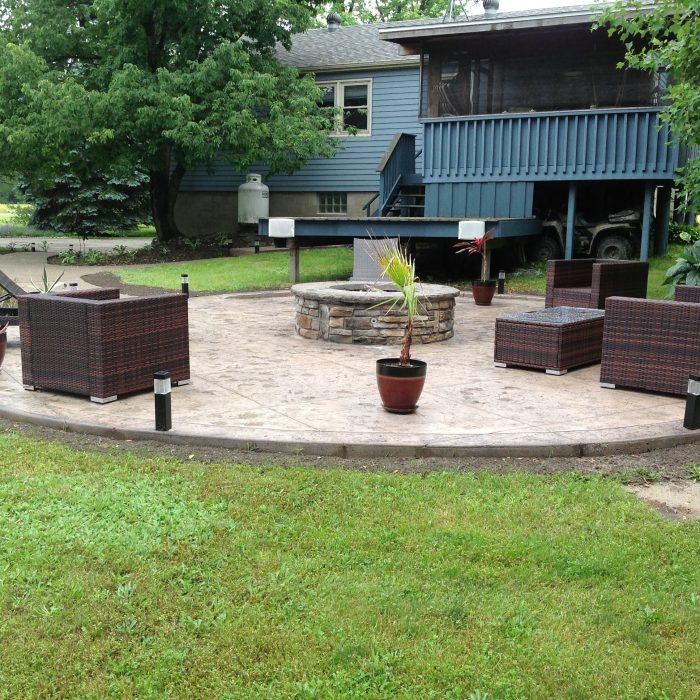 Stamped Patio & Firepit Akron
