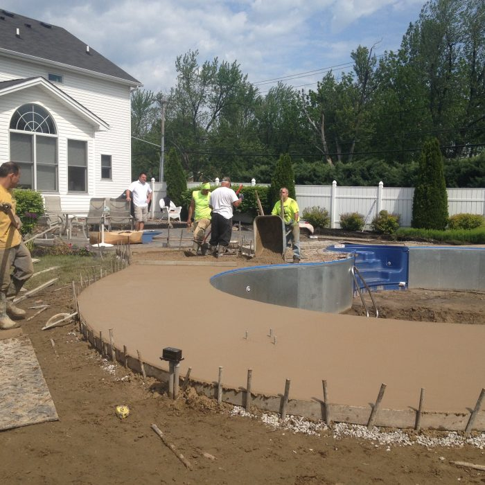 Exposed Aggregate Pool Surround