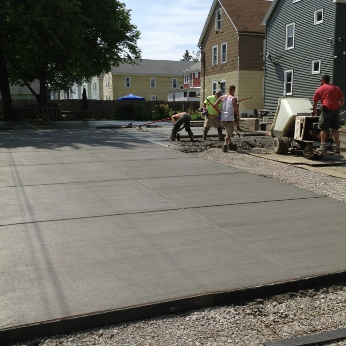Concrete garage Pad & Driveway South Buffalo